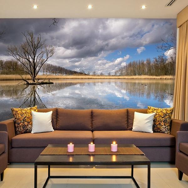 Mural de parede reflexo na água